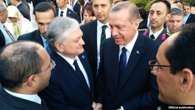 Turkey - President Recep Tayyip Erdogan talks to Armenian Foreign Minister Edward Nalbandian during his inauguration in Ankara, 28Aug2014.