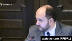 Министр образования, науки, культуры и спорта Армении Араик Арутюнян (архив)