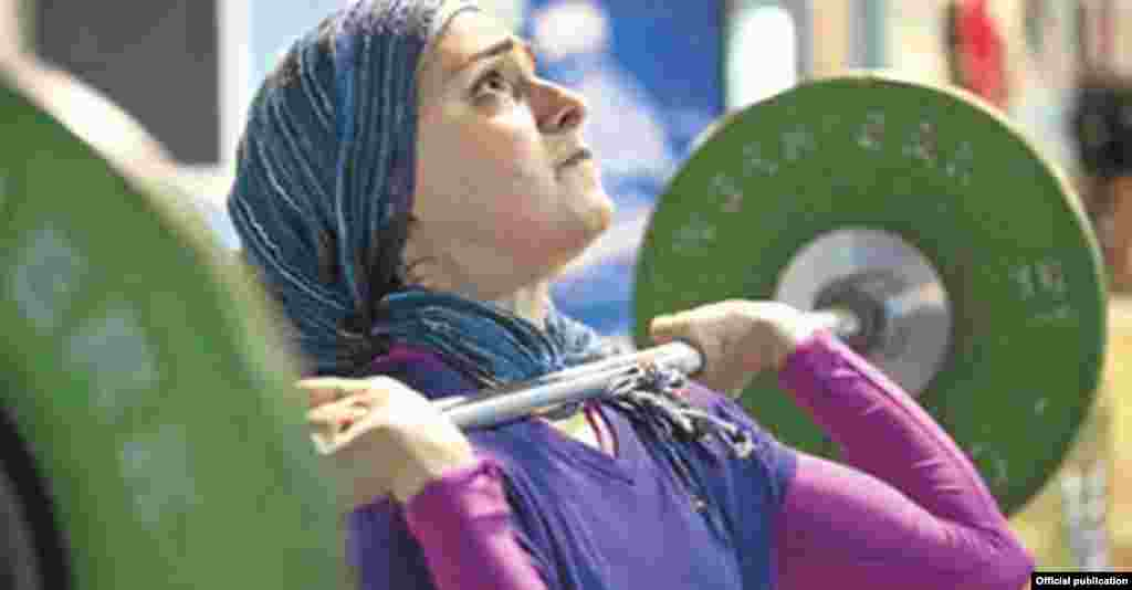 Kulsoom Abdullah, a Pakistani-American who competes for Pakistan, challenged the International Weightlifting Federation's rules to allow her to compete in U.S. national competitions.