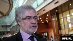 Ґія Нодія, професор політології в державному Університеті імені Іллі Чавчавадзе