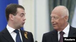 Ўлимига қадар Виктор Черномырдин президент Медведевнинг маслаҳатчиси бўлиб ишлади.