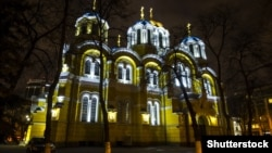 Тисячі архітектурних пам'яток по всьому світу сьогодні ввечері вимкнуть своє освітлення