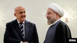 وزیر دفاع لبنان روز یکشنبه با حسن روحانی دیدار کرد.