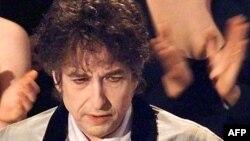 АҚШ-тың Бостандық наградасына ие болған музыкант Боб Дилан.