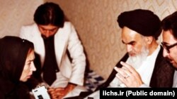 Abolhassab Banisadr (R), the first president of the Islamic Republic, in one of the Ayatollah Khomeini's interviews in Paris in early 1979.
