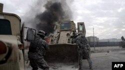 با انفجار صبح امروز در بغداد، شمار تلفات نیروهای آمریکایی در ماه ژوئن به 100 نفر رسید.