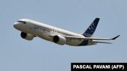 Самолет Airbus А220.