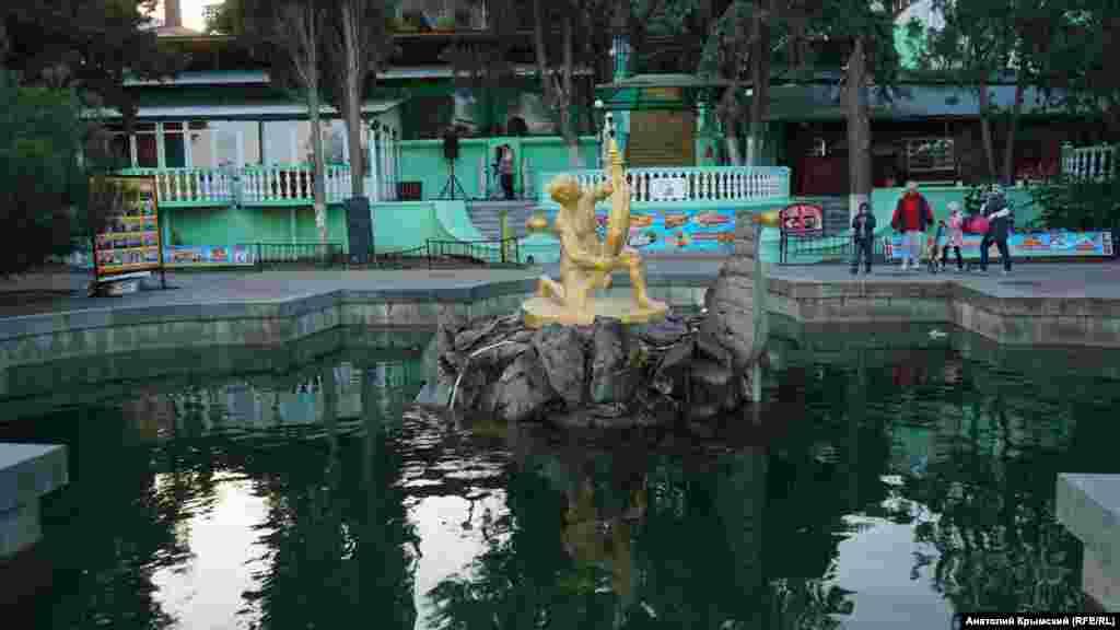 Чи не штормить тільки в фонтані «Рибак»