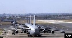 Самолеты ВВС США на дозаправке на базе Инджирлик