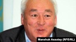 Сейтказы Матаев, председатель правления Союза журналистов Казахстана. Алматы, 2 мая 2012 года.