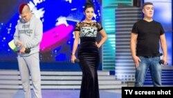 Ситора Фармонова выступает в составе кыргызстанской команды КВН Азия MIX.