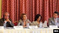 """Тркалезна маса на тема """"Предизвиците и перспективите на македонскиот медиумски сектор"""""""