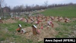 Groblje u Maloj Kruši na kojem su sahranjeni ubijeni Albanci