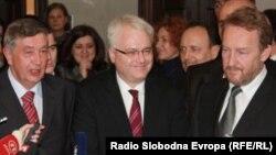 Ivo Josipović, Nebojša Radmanović i Bakir Izetbegović daju izjave novinarima, Banjaluka 6. decembar 2010. Foto: Erduan Katan