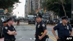 Politsiya hadimleri New-Yorkta patlav yerini sarımğa aldı, 2016 senesi sentâbr 17