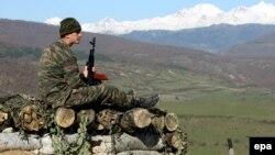 Внешнеполитические ведомства России и Грузии в связи с инцидентом со съемочной группой грузинского телеканала выступили со взаимными обвинениями в преднамеренной провокации и нагнетании ситуации в зоне конфликта