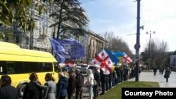 Акция протеста в Тбилиси, Грузия, 6 марта 2016 года.