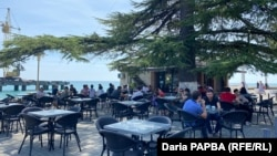 Кафе «Пингвин» на сухумской набережной (иллюстративное фото)