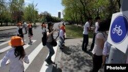 Երևանում նշվում է Մոլորակի ժամը, արխիվ
