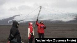 Встановлення антени на острові Херд