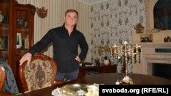 Заказчык, архітэктар і дызайнэр свайго дому Алег Кучэрын