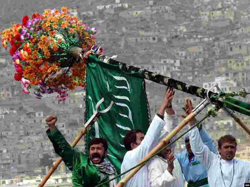مزار شریف؛ مرکز اصلی برگزاری جشن نوروزی در افغانستان - مزار شریف؛ مرکز اصلی برگزاری جشن نوروزی در افغانستان