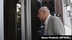 Slobodan Pejović ulazi u sud, 20. oktobar 2010