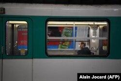 Метро у Парижі. Карантин. 23 березня 2020 року