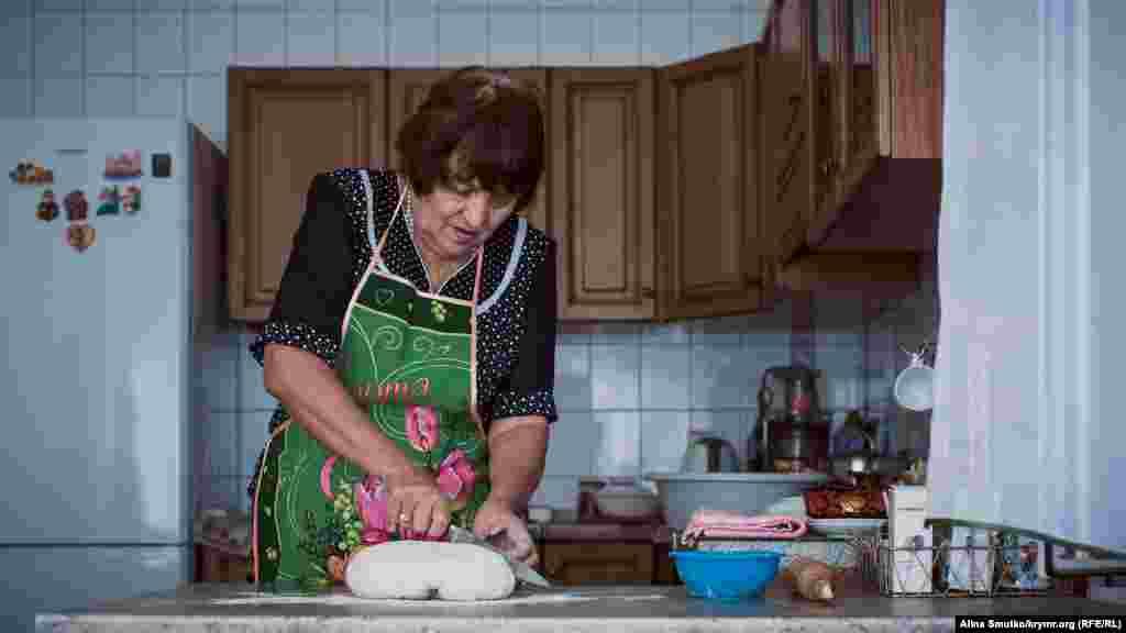 У цей день вона замість голосування готувала янитки.