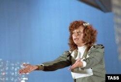 .Певица Алла Пугачева. Фото Виталия Созинова (Фотохроника ТАСС). 1983