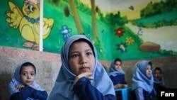 وزارت آموزش و پرورش از حضور بالغ بر ۳۶۰ هزار دانشآموز افغان مشغول به تحصیل در ایران خبر داده است