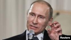 """Putin bu raketa galkanynyň """"Ural topraklaryna çenli territoriýany, Orsýetiň gury ýer ýadro güýçleriniň ýerleşýän ýerlerini hem öz içine alýandygyny"""" aýtdy."""