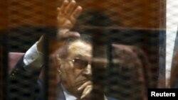 Хосни Мубарак на суде в Каире, 9 мая 2015
