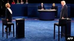 Hillary Clinton və Donald Trump 2-ci debatda, 9 Okt, 2016