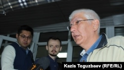 Главный редактор сайта Ratel.kz Марат Асипов комментирует судебное решение о запрете возглавляемого им интернет-издания. Алматы, 28 мая 2018 года.