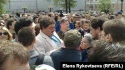 Дмитрий Быков, жаждущий лидера