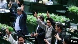 صحن مجلس به هنگام رای گیری درباره طرح «اقدام متناسب و متقابل دولت جمهوری اسلامی در اجرای برجام» .