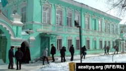 Батыс Қазақстан облысы ішкі істер департаменті госпиталының ғимараты. Орал, 16 наурыз 2012 жыл.