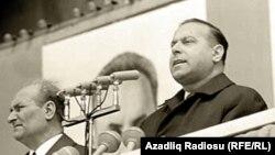 Heydər Əliyev çıxış edir. 1971