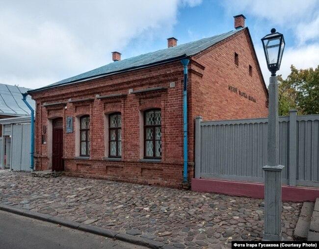 Пакроўская, 11. Музэй Марка Шагала
