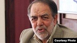 اکبر ترکان، مشاور حسن روحانی.