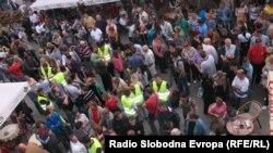 """Građani na skupu """"Šetnja za slobodu"""", 7. oktobar 2012. foto: Norbert Šinković"""