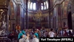 В постсоветское время произошла активизация деятельности представителей всех религий, не исключая и традиционную абхазскую