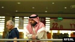 کارشناسان می گویند که معضل بیکاری در کشورهای عربی می تواند دامن جامعه جهانی را بگیرد.
