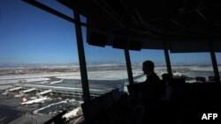 Редица европейски държави приеха през последните две седмици ограничителни мерки за българи и граждани идващи от България. На снимката: летище София.