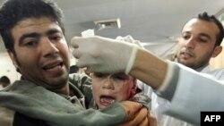 به گفته سخنگوی صلیب سرخ جهانی در بیتالمقدس، هم اکنون تمرکز این سازمان، بر روی وضعیت آشفته بیمارستانها در غزه و مجروحان بمبارانهاست. (عکس: Afp)