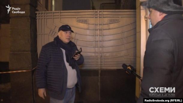 Михаил Бродский, бывший глава Госкомпредпринимательства во времена президента Януковича, уже второй год подряд под Новый год приходит поговорить о баскетболе
