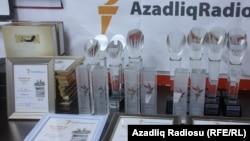 """""""Ədəbi Azadlıq-2012"""" müsabiqəsinin priz və diplomları"""