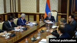 Встреча президента Армении Сержа Саргсяна с членами комиссии по вопросам конституционных реформ, июнь 2014 г․