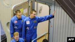 """Группа испытателей - летом прошлого года перед началом эксперимента """"Марс-500"""""""
